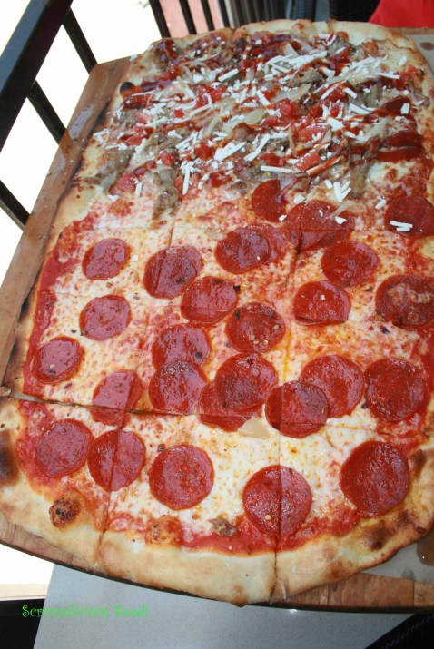 Sfuzzi Mezzo Metro Pizza