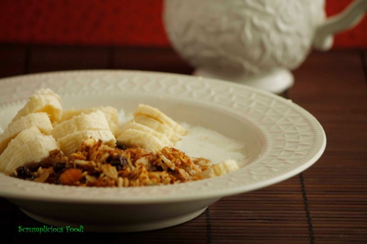 Muesli, Yogurt and Banana